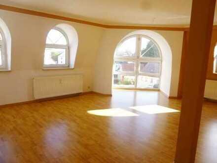 Freiheit zur Entfaltung - 3-Raum-DG-Wohnung in Niederplanitz