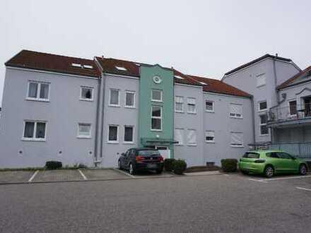 Provisionsfrei-Gepflegte 1-Zimmer-Wohnung mit Balkon und EBK in Pforzheim Maihälden