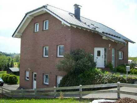 Schöne, geräumige fünf Zimmer Wohnung in Rhein-Sieg-Kreis, Much Kinder oder Oma erwünscht?