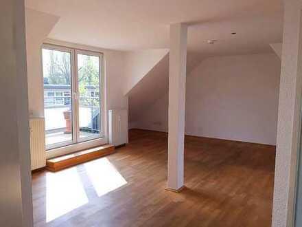 Lichtdurchflutete Dachgeschosswohnung, 93 qm, 3.OG, DU-Neudorf, mit Balkon u. EBK* Provisionsfrei