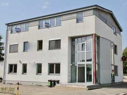 HORN IMMOBILIEN ++ Büroetage und 2.026 m² Grundstück, auf Anfrage auch das ganze Gebäude!