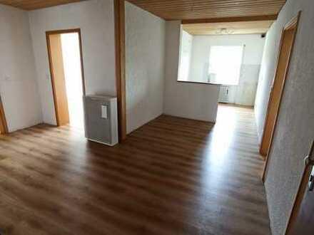 Schöne vier Zimmer Wohnung mit Balkon in Emmering
