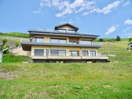 Moselblick - Moderne Neubau Wohnung mit Einbauküche, großem Südbalkon und Stellplätze