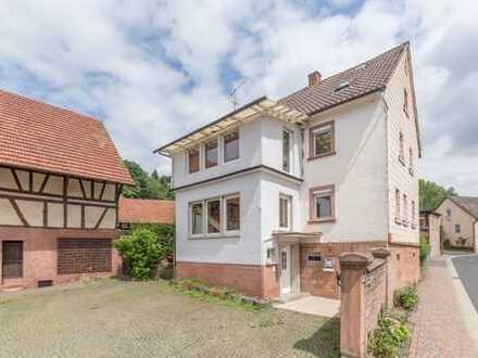 2-Familienhaus mit viel Platz und Nutzungsmöglichkeiten!