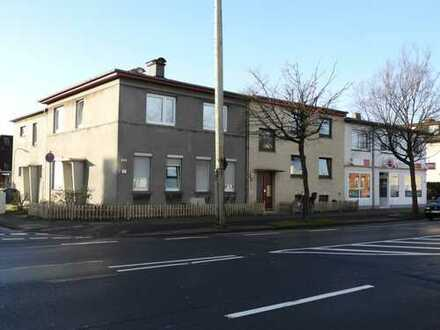 Attraktives Renditeobjekt - komplett vermietete Mehrfamilienhäuser inkl. Gewerbeeinheit