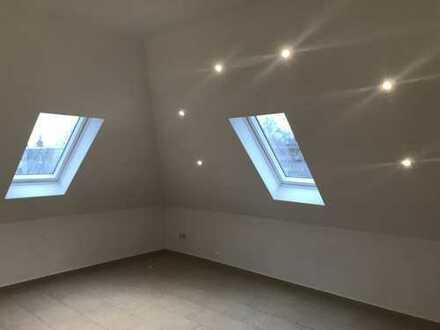 Helle, gemütliche Dachgeschosswohnung mit Wohnküche