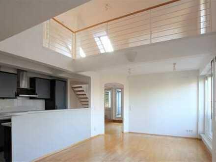 Helle Dachgeschosswohnung in Schlachtensee mit 24qm großer Galerie als zusätzliche Nutzfläche