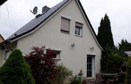 Basdorf- Miethaus mit Garten gepflegt; nur Tel- Kontakt!
