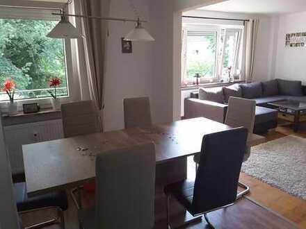 Schöne, geräumige 2,5 Zimmer Wohnung in Bielefeld Sennestadt mit Balkon
