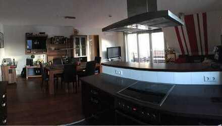 Exklusive, neuwertige 2,5-Zimmer-Wohnung mit Balkon und Einbauküche in Sasbach