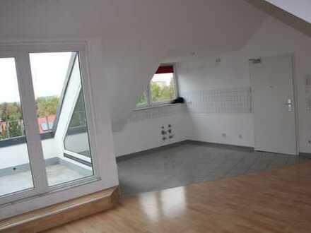 Schöne, helle vier Zimmer Wohnung in Erfurt Tiergartensiedlung