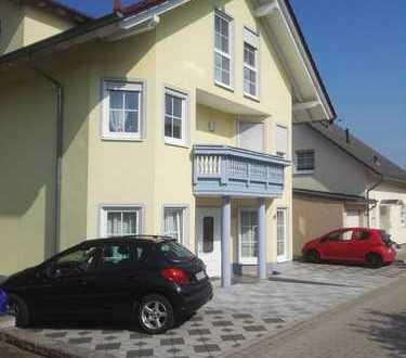 Gepflegte 3-Zimmer-Dachgeschosswohnung mit Balkon in Erbach