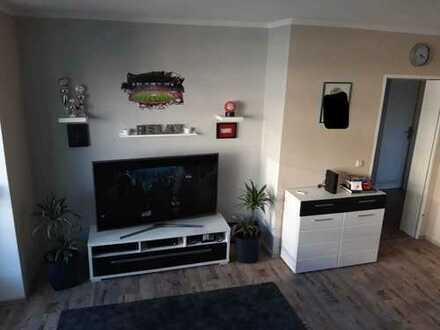 Renovierte Wohnung mit Einbauküche und Stellplatz