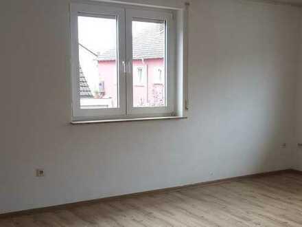 Helle 3-Zimmer-Wohnung mit Wohnküche in Wasserlos