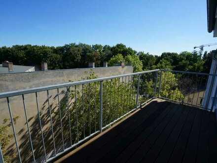 sanierter Altbau - Familienhaus mit kleinem grünen Hof, Ambiente und Ausblick
