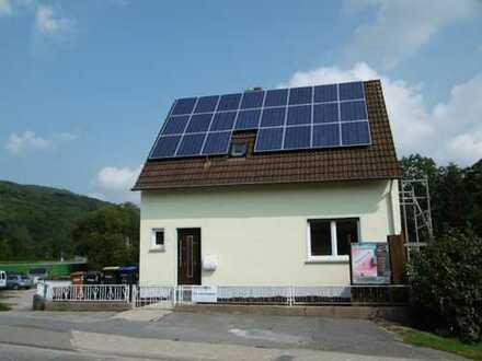 Bald frei!! -- Eigenes Haus am Ortsrand von Schweppenhausen -- Bald frei !!