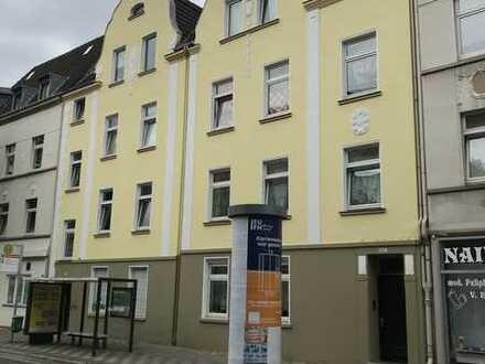 Vollständig renovierte 3-Zimmer-Wohnung mit Balkon und Einbauküche in Düsseldorf