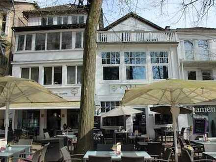 Wohn- und Geschäftshaus direkt an der Kurpark-Promenade