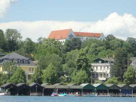 Großzügige Familienvilla mit sonnigem Grundstück, Pool und Alpenblick