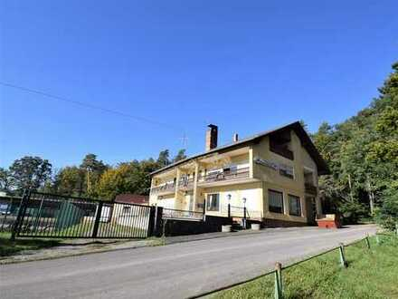 Alter Traditionsgasthof im Naturschutzgebiet (095G)