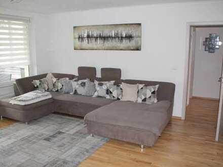 Modernisierte 3+1-Zimmer-Hochparterre-Wohnung mit Terrasse, Balkon und EBK in Fürth am Südstadtpark