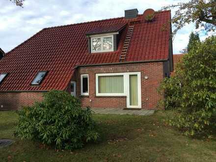 Günstige, gepflegte 5-Zimmer-Wohnung mit Balkon und EBK in Blomberg