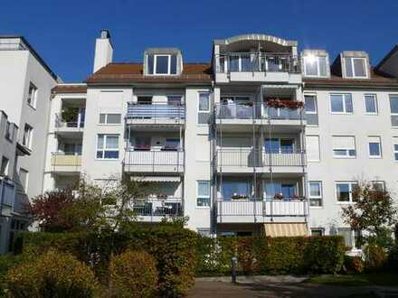 Helle 2-Raum-Wohnung ++ Balkon und Fenster zum Hof ++ verkehrsgünstige Lage