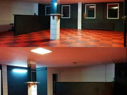 """Sport-, Spiel- und Freizeithalle auch als """"Showroom"""" mit Parkettboden nutzbar, Velbert-Innenstadt"""