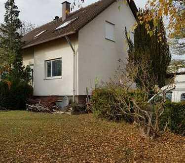 ***1-2 Familiehaus mit Garten & Garage***