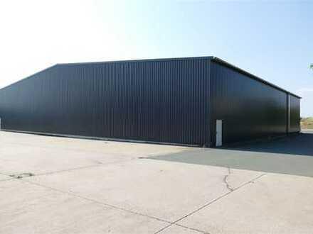 Isolierte Leichtbauhalle in Bindlach (Bindlacher Berg) zu vermieten