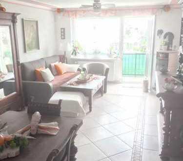 Wohnung im Top Zustand. 3 Zimme,r Küche, Bad, Balkon, Garage