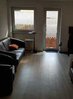 13 qm Zimmer in netter ruhiger 2er WG mit insgesamt 74 qm, Untertürkheim