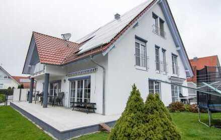 Neu-Ulm Steinheim Einfamilienhaus mit Einliegerwohnung und viel Platz!!!