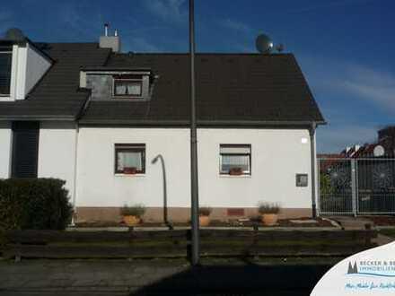 Idyllische Doppelhaushälfte mit Traumgrundstück am Rande der Finnensiedlung