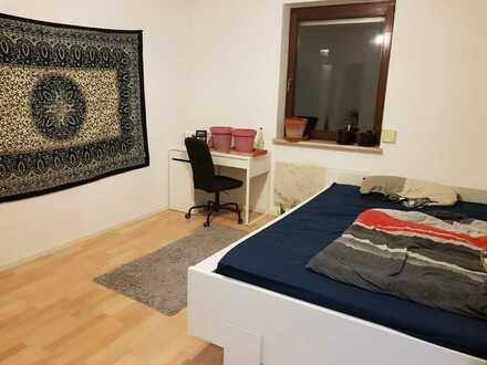 Schönes Zimmer in 3er Wg