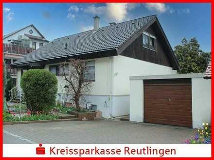 Freistehendes Einfamilienhaus mit Einliegerwohnung in Unterhausen