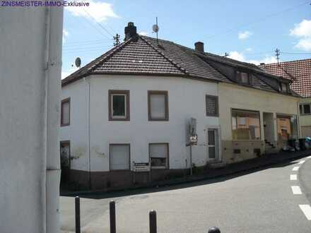 Zwei Häuser zu einem Preis