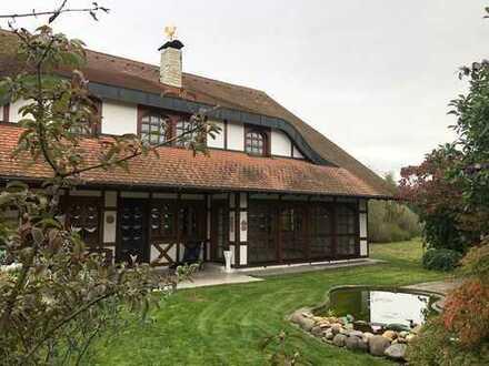 Landhaus Villa in ruhiger Ortsrandslage zu verkaufen