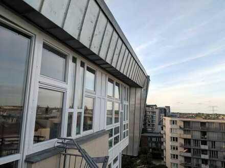 Ruhige Dachgeschosswohnung mitten in Berlin!