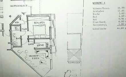 Stilvolle, vollständig renovierte 2-Zimmer-Erdgeschosswohnung mit Balkon in Wiesbaden