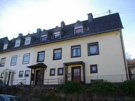 Schönes renoviertes Reihenmittelhaus in Idar´s begehrter Wohnlage
