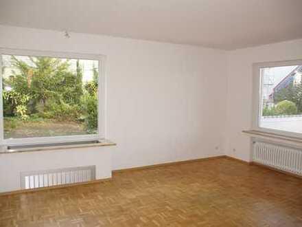 Praxis - oder Büroräume bzw 2 - Zimmer Wohnung mit separatem Arbeitszimmer