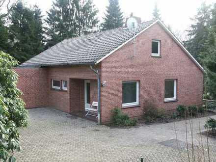 Schönes, geräumiges Haus mit drei Zimmern in Sandhatten (Landkreis Oldenburg)