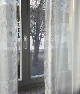 Möbliertes helles Zimmer im Franz