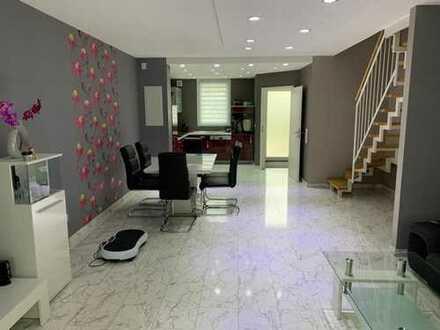 Neuwertiges Einfamilienhaus mit hochwertiger Ausstattung