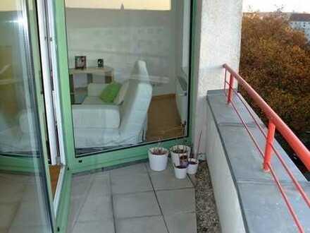 Vermietete sonnige Eigentumswohnung mit Balkon