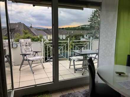 Gepflegte 2-Zimmer-Wohnung mit großem Balkon und neuer Einbauküche