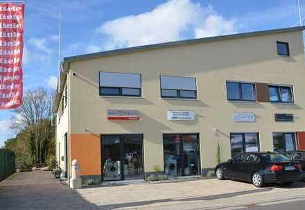 Attraktives Büro (provisionsfrei) im Erdgeschoss, auch nutzbar als Praxis o.ä. (Barrierefrei)