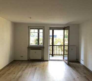 Erstbezug nach Sanierung mit Balkon: ansprechende 3-Zimmer-Erdgeschosswohnung in Bayreuth