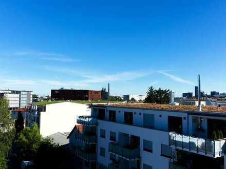 Ganz oben im Neubau nahe der Altstadt wohnen: 2-Zi-Attika-ETW mit Fernblick, Freiburg-Wiehre!